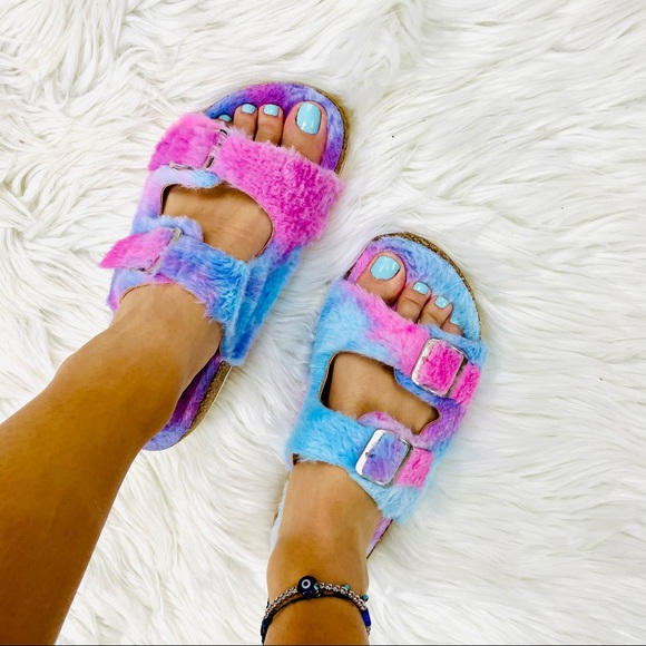 Purple tie dye fur sandal
